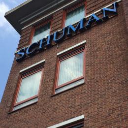 VerlichteGevelreclame_Schuman_Ede