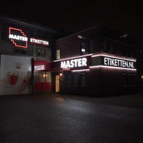 Gevelreclame_MasterEtiketten_Ede